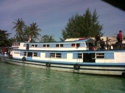 Kapal penumpang Pulau Seribu